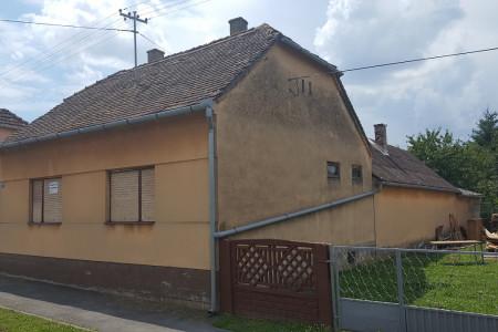 Belišće, kuća u ulici P. Zrinskog, 111,14 m2