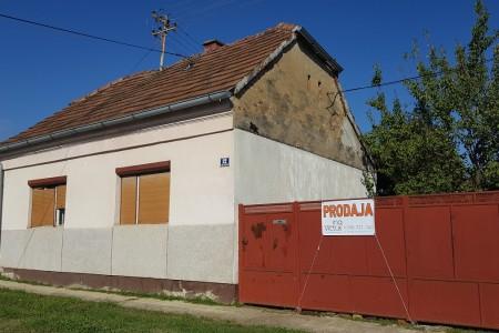 Belišće, kuća za rušenje, korisne površine 77,65 m2, parcela 601 m2